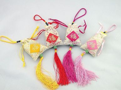 ob_0db276_hot-sale-aroma-hanging-car-sachet-scen