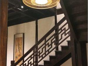 ob_fb22f1_escaliers-restaurant